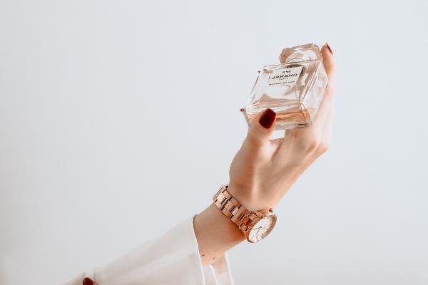 Ontvang een staaltje parfum van Yves Saint Laurant